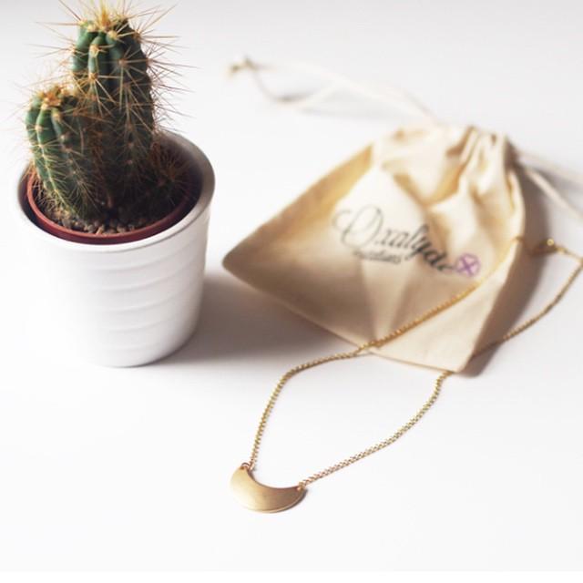 Concours | Gagnez le collier Lobelie d'Oxalyde sur le blog ! • wewashtrash.com