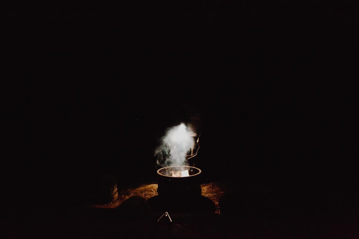 faire-feu-canot-camping