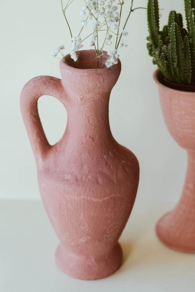 Transformer vase seconde main en vase terracotta tendance