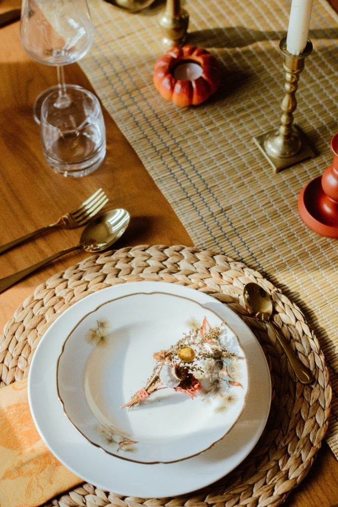assiettes vintage table thanksgiving