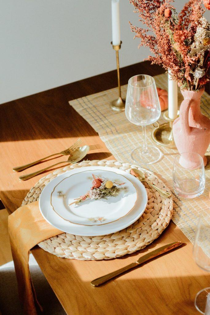 montage table action de grace terracotta vintage